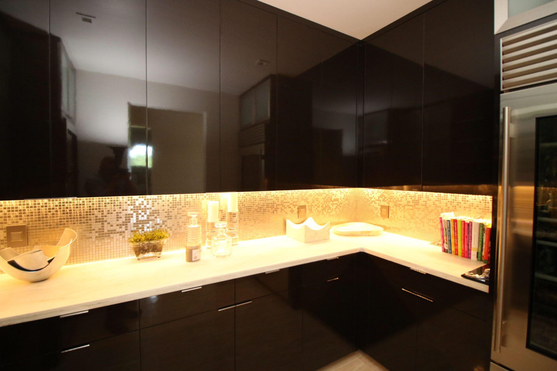 Under cabinet lighting design